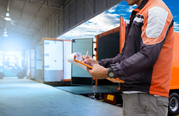 4 Signs That It's Time for a Loading Dock Redesign